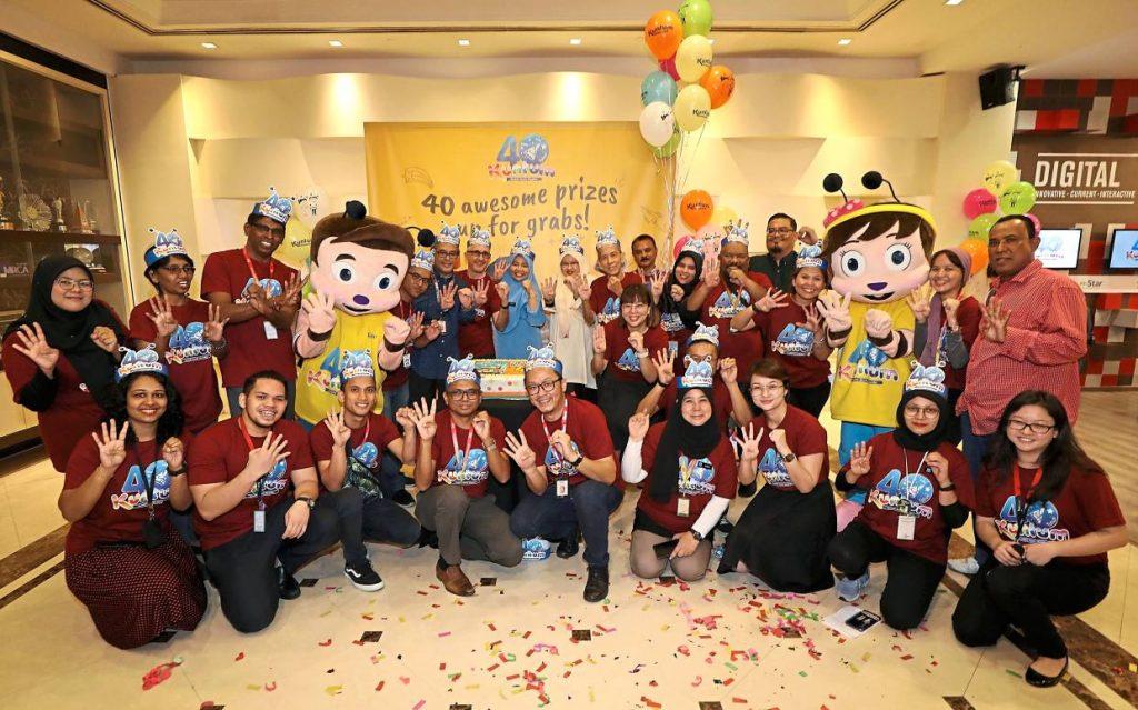 Star Media Group senior management, Kuntum crew and Star employees at the Kuntum 40th anniversary celebration at Menara Star.